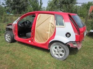 Ford Fiesta MK6 cz.2 – klepanie i szpachlowanie_23