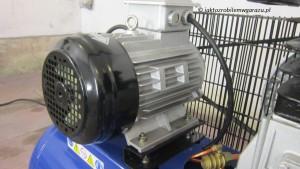 Trójfazowy silnik 3 kW o mocy 4KM.