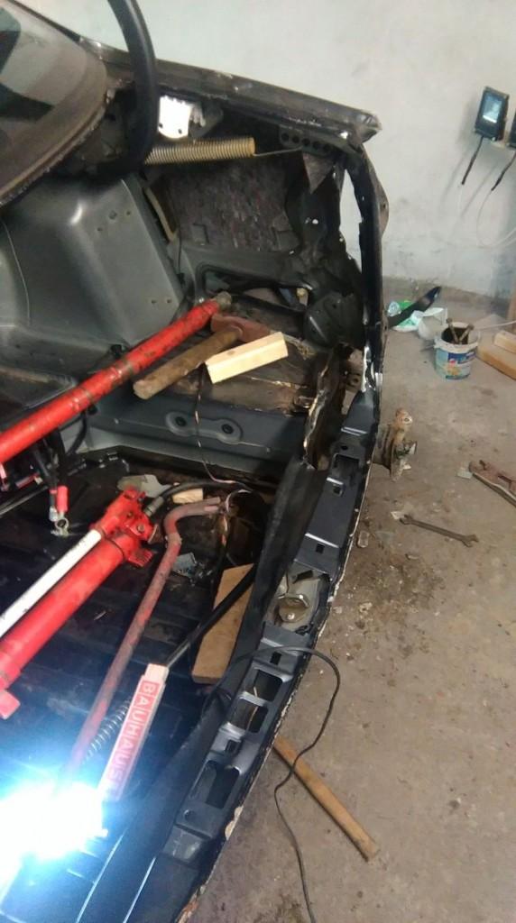 Naprawa blacharsko-lakiernicza Mercedes W211 lift E200 kompresor